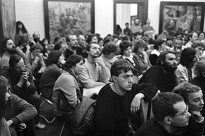 Helfried StraußEröffnung der Bernhard Heisig Austellung im Museum der bildenden Künste Leipzig, 15. Februar 1985 (Neo Rauch in der 2. Reihe von vorn)