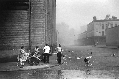 Sandstorm, Greenwich Village, New York City, 1949 © Ruth Orkin / Ruth Orkin Photo Archive Courtesy Michael Hoppen Gallery