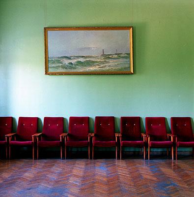 Rote Stühle, 2000, aus der Serie: