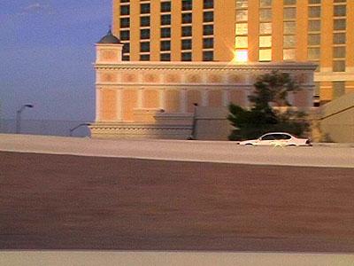 Gudrun KemsaLas Vegas Freeway 15Videoinstallation