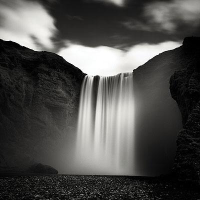 Liquid Wall, Iceland © Josef Hoflehner