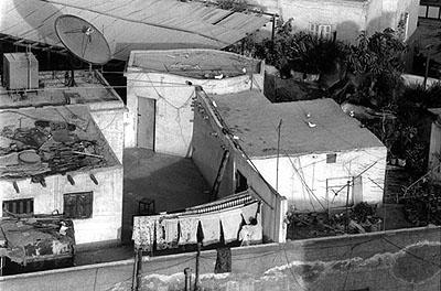 © Randa ShaathUnder the Same Sky: Rooftops of Cairo, 2002/2003. Fotoserie.