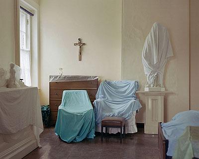 Covered Furniture 200699x79 cm