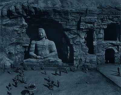 Valentin Vallhonrat, Yungang Budah, from the series Vuelo de ángel, 2001, c-print/diasec, 111.5 x 132 cm © Valentin Vallhonrat