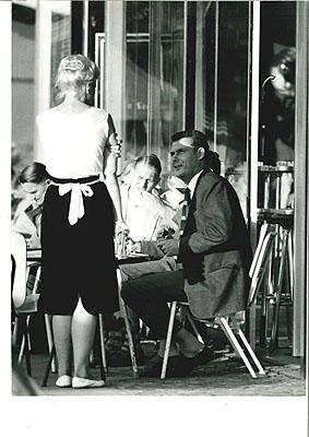 Harry Croner, Straßencafé am Bahnhof Zoo, 1960Stadtmuseum Berlin