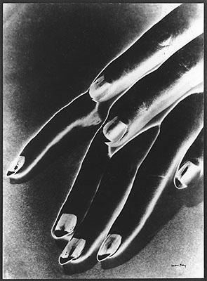 Man Ray, Händestudie, 1930/1959, Gelatinesilber, Städtisches Museum Abteiberg Mönchengladbach, © Man Ray Trust, Paris / VG Bild-Kunst, Bonn 2008