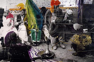 Sigmar Polke, Ohne Titel (Quetta Pakistan), 1974-78, Fotoarbeit, mit verschiedenen Farben übermalt, Städtische Galerie Karlsruhe, Sammlung Garnatz, © Sigmar Polke