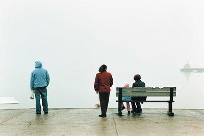 Grit SchwerdtfegerAus: Distanz 2006Pier, 2006analoger C-Print© VG Bild-Kunst, Bonn 2009