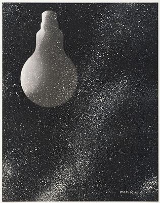 Man Ray Électricité aus der Mappe Électricité 1931 Rayogramm Lichtdruck auf Papier 25,7 x 20,3 cm (Darstellung), 37,5 x 27,3 cm (Karton), 49,8 x 39,8 cm (Passepartout) © VG Bild-KunstSammlung Ann und Jürgen Wilde