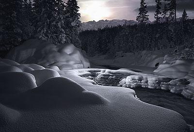 Intervention Snow #3 2007 ©Tim Simmons