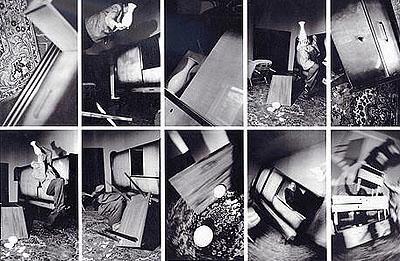 Anna & Bernhard BlumeWahnzimmer, 1984 Großfotosequenz in 10 Teilen Je 200 x 126 cm Courtesy Buchmann Galerie, Berlin © VG Bild-Kunst, Berlin