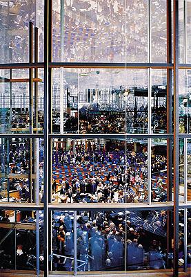 Andreas GurskyBundestag, 1998 Color Print 285 x 210cm Kunstmuseum Wolfsburg © VG Bild-Kunst, Bonn