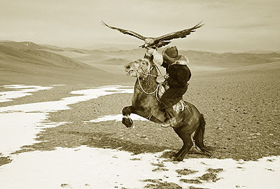 Training Kazak Eagle-Horse, Deloun, Bayin Olgii -  2008Platinum print on 100% Arches platine paper. Edition of 3 and 1 AP.Image size : 20 x 24 inches / 50,8 x 60,96 cmPaper size : 22 x 30 inches / 55,8 x 76,2 cm© HAMID SARDAR AFKAMI, COURTESY GALERIE THIERRY MARLAT