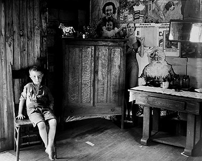 Walker Evans West Virginia Living Room, 1935Gelatin silver print. Printed c. 1940 19.3 x 24.2 cmPrivate collection © Walker Evans Archive, The Metropolitan Museum of Art