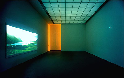 Philippe ParrenoEl sueño de una cosa, 2002Exhibition view at Portikus, Frankfurt Photo Wolfgang GünzelFare Mondi // Making Worlds