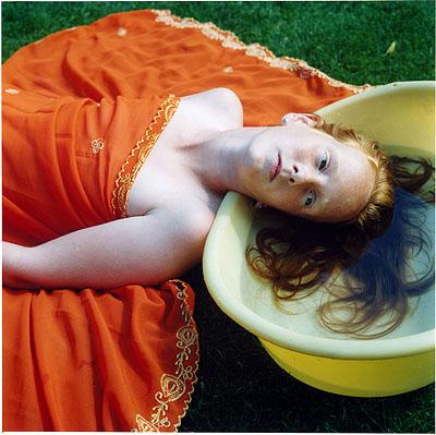 Hellen van Meene, Untitled, 1999, © die Künstlerin, Courtesy Yancey Richardson Gallery, New York