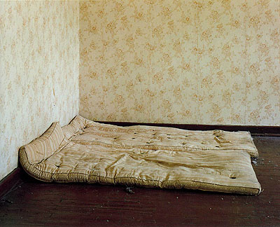 © Laurenz Berges : Pièces dans des casernes russes