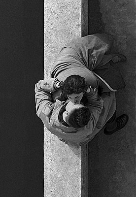 1955, Paris, couple 18/30, 30x40cm© Frank Horvat