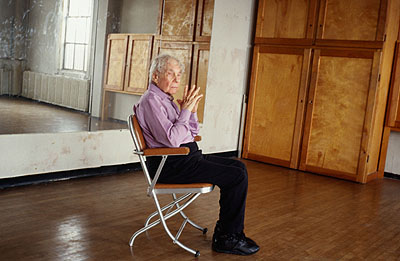 Tacita Dean Merce Cunningham performs STILLNESS (in three movements) to John Cage's composition 4'33'' with Trevor Carlson, New York City, 28. April 2007 (six performances; six films), 2008 6 x 16mm-Farbfilme, Lichtton, ca. jeweils 5 Minuten Fotograf: Michael Vahrenwald© Courtesy die Künstlerin, Frith Street Gallery, London, und Marian Goodman Gallery, New York/Paris