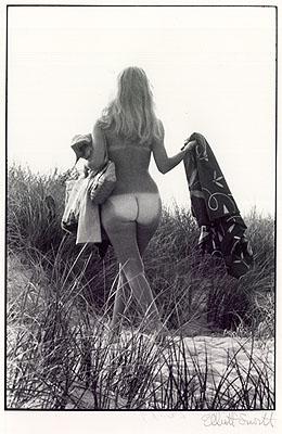 Elliott ErwittSylt (1968)Vintage, signiert, Fotografenstempel, 35,3 x 27,7cmStartpreis: 1.800 EURSchätzpreis: 2.500 - 3.000 EUR