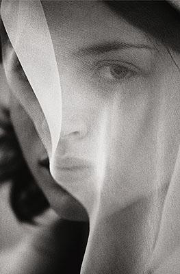 © Donata WendersThe Veil, 2002