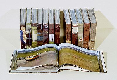Katharina Gaenssler Transsibirien I - XIII, 2004 8.764 Bilder einer sechstägigen Reise mit der Transsibirischen Eisenbahn von Moskau nach Peking in dreizehn Bänden Farblaserdrucke, gebunden, jeweils 21 x 28,5 x 3,5 cm © Katharina Gaenssler