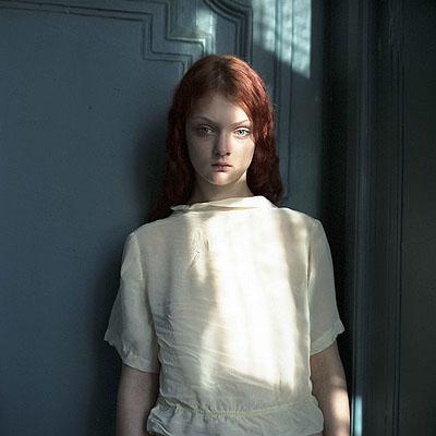 © Hellen van Meene, St. Petersburg 2008, c- print, 29 x 29 cm