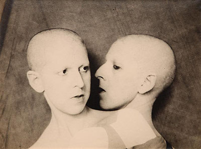 Claude CahunQue me veux-tu? (What do you want from me?), double self-portrait, 1929Vintage gelatin-silver print, 18 x 23 cmPrivate collection© Estate of Claude CahunPhoto: Philippe Migeat