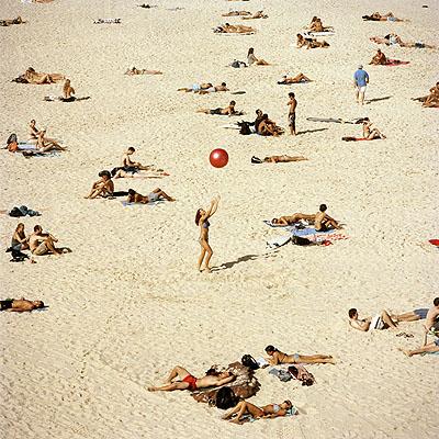 sand series, 2006, série The colour of Bondi, c-print, 63 x 63 cm, édition 30 ex.
