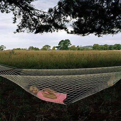 girl in hammock, 2010, série The colour of Bondi, c-print, 63 x 63 cm, édition 30 ex.