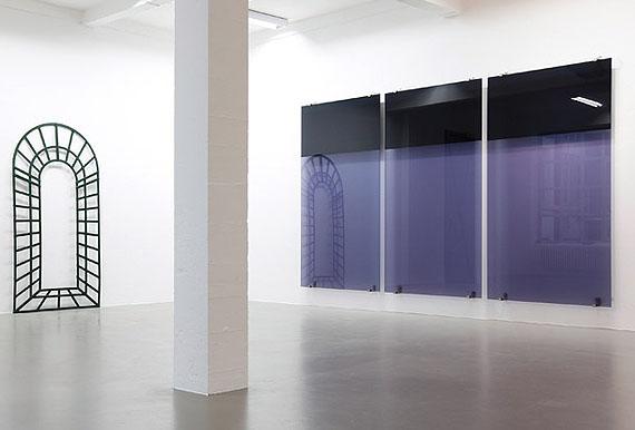 Installationsansicht Trutwin: links Objekt