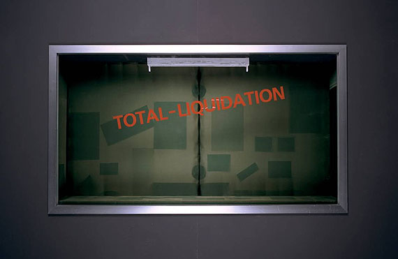Stefan BurgerTotal-Liquidation, 2009Found showcase, aluminium, glass, wood, fabric, 94 x 172 x 27 cmUnique piece, Hauser & Wirth Collection, Henau© Stefan Burger