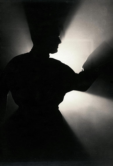 Willy Kessels, Zelfportret in tegenlicht, 1931  © Willy Kessels