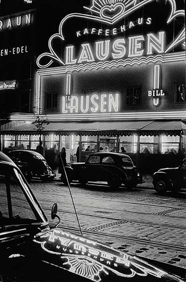 Herbert DombrowskiKaffeehaus Lausen, 1954Silbergelatine-Print46 x 31 cm