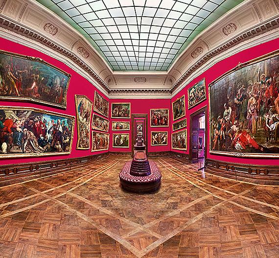 Raïssa Venables, Red Rooms, Gemäldegalerie, 2010, C-Print / Diasec