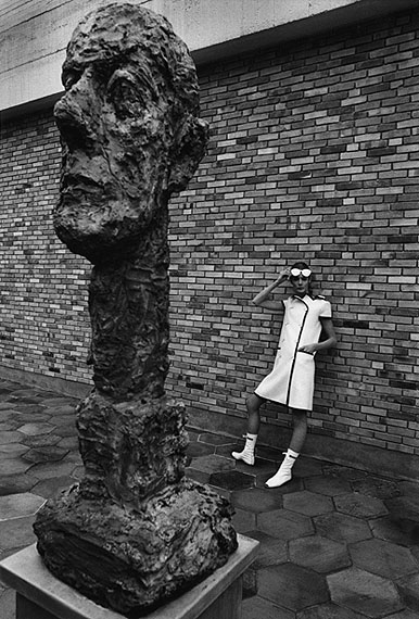 Jeanloup SieffCourrèges-Mode, Fondation Maeght 1965 Gelatin Silver Print, printed later Verso stamped and signed by the Estate40,5 x 30 cm© The Estate of Jeanloup SieffCOURTESY BERNHEIMER FINE ART PHOTOGRAPHY
