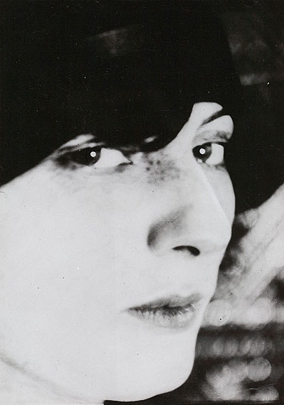 Lot 721Umbo (Otto Umbehr)Madame D. en profil. 1926/1927Gelatin silver print, 1975, 23,9 x 16,9 cm