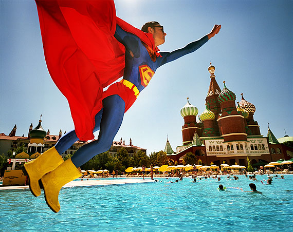 Superman über dem Roten Platz, Topkapi Palace Hotel, Antalya, Türkei, 2006