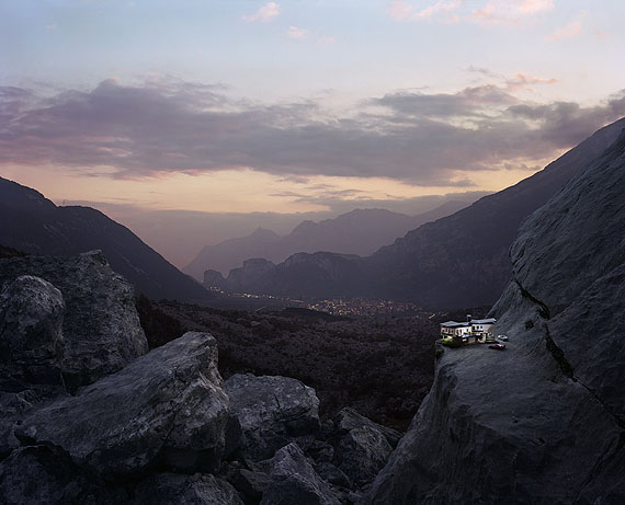 Thomas Wrede, Above the Valley, 2009, Lambda Print Diasec, 170 x 210 cm