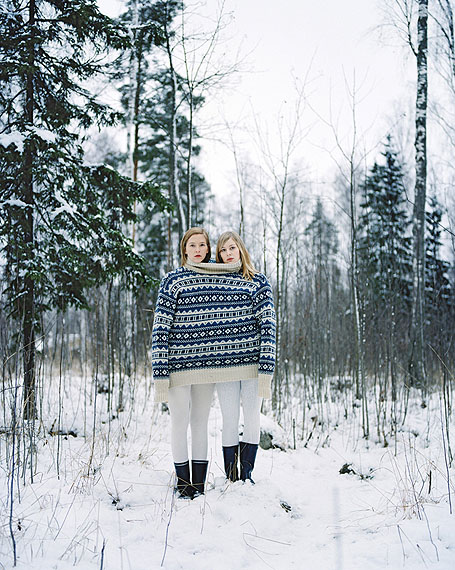 © Wilma Hurskainen, Carry Me II, 2011, c-print on aluminium, 80 x 64 cm