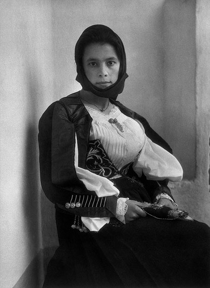 Mädchen aus Nuoro 1927© Die Photographische Sammlung/SK Stiftung Kultur – August Sander Archiv, Köln; VG Bild-Kunst, Bonn, 2011