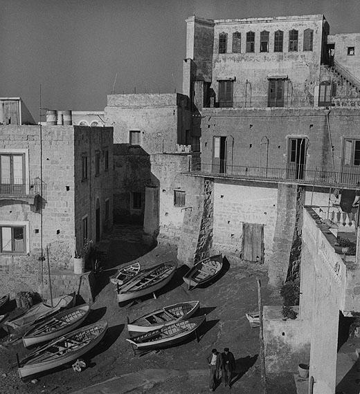Ischia, Häuser am Hafen von Sant'Angelo© Fotoarchiv Ruhr Museum, EssenRuth Hallensleben. Italien 1952