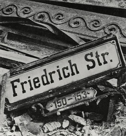 Hein GornyFriedrichstraße, Berlin 1945 - 1946 gelatin silver print 3.11 x 2.87''Silbergelatineabzug 7,9 x 7,3 cmCopyright Hein Gorny - Collection Regard