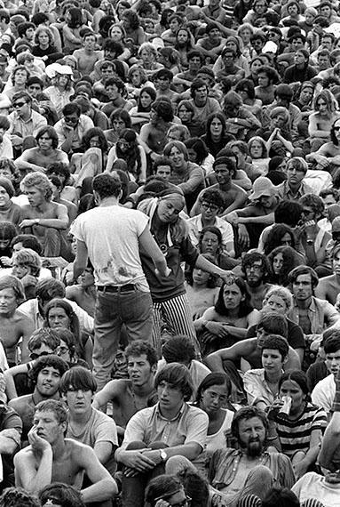 Woodstock Dancing Couple, Woodstock Music & Art Fair, Bethel, NY, 1969. 28x35,5 cm © Baron Wolman