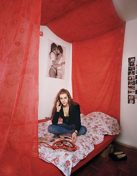 aus Suburban Dreams (2011): Lucia, Deutschland, © Beth Yarnelle Edwards
