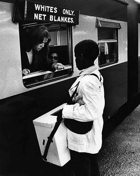 Abisag Tüllmann: Whites only, Cape Town, Südafrika, 1971; © bpk / Abisag Tüllmann, Berlin