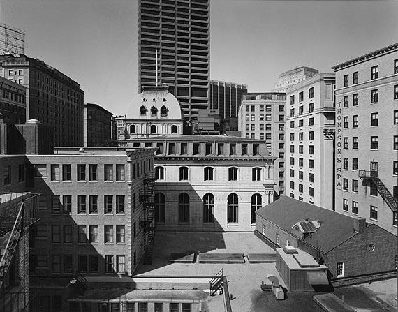 Buildings on Tremont Street, Boston 1975foto: Nicholas NixonGeorge Eastman House