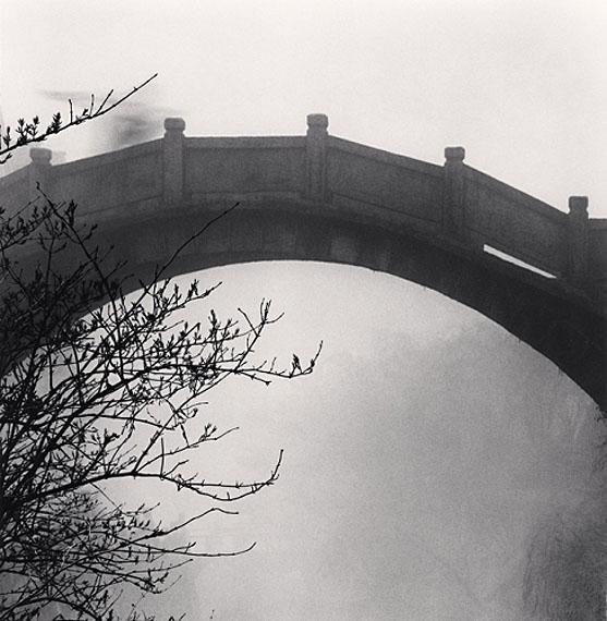 Michael KennaHuangshan Mountains, Study 36, Anhui, China, 2008Edition von 45Gelatin Silver Print, Sepia tonedca. 20 x 20 cm