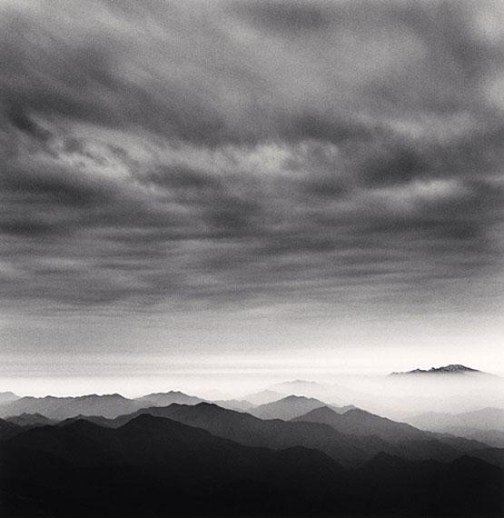 Michael KennaHuangshan Mountains, Study 41, Anhui, China, 2010Edition von 45Gelatin Silver Print, Sepia tonedca. 20 x 20 cm