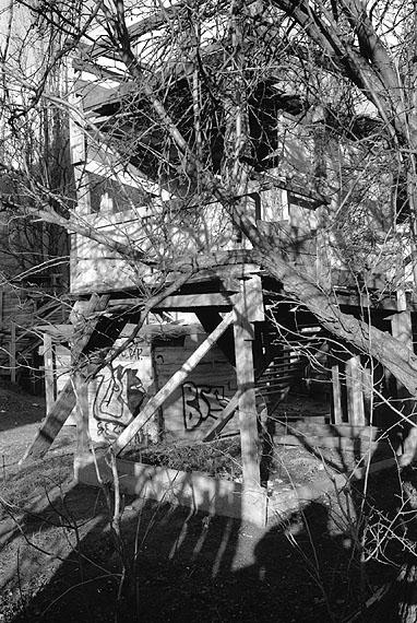 Aus der Reihe / from the series Stadt der Kinder, Berlin, 12/2003© Photographien | Photographs: Jean-Paul Deridder, 2011